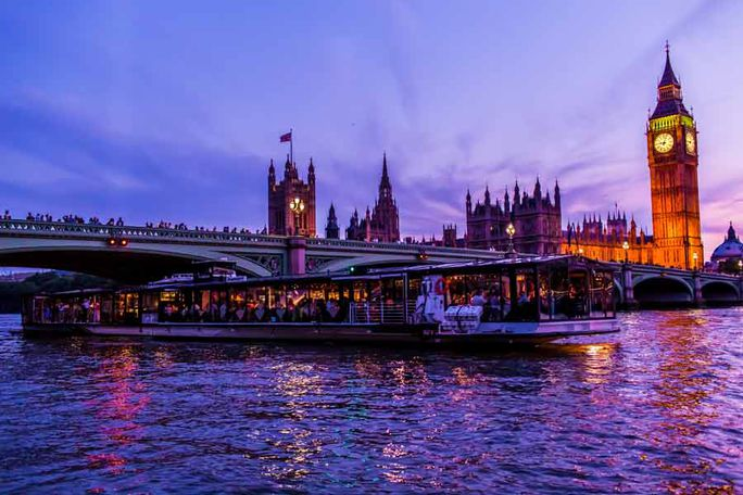 Bateaux Dinner Cruise Tickets