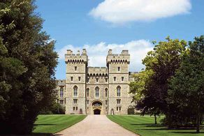 Buckingham Palace and Windsor Castle Tour Tickets